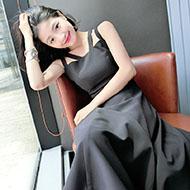 心机赫本风高腰小黑裙